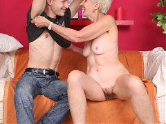 Horny mature Irine gives her stud a taste of her sexy oral and later got fucked badly