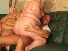 Fat mature blondies Melinda Shy and Faye suck a cock at the same time and got fucked hard in this threesome